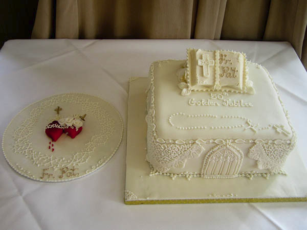 5-a-special-cake-for-the-occasion-decorated-with-images-of-killeshin-church