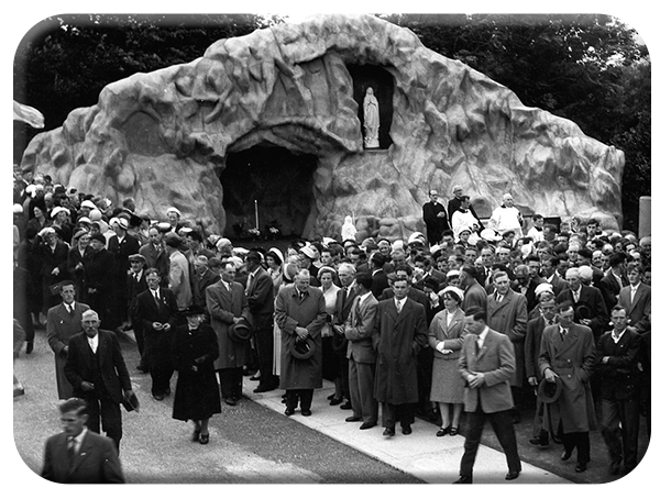 Grotto Opening Day, 1959