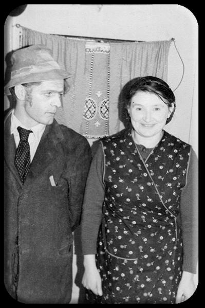 Seamus and Jenny Cummins in Professor Tim copy