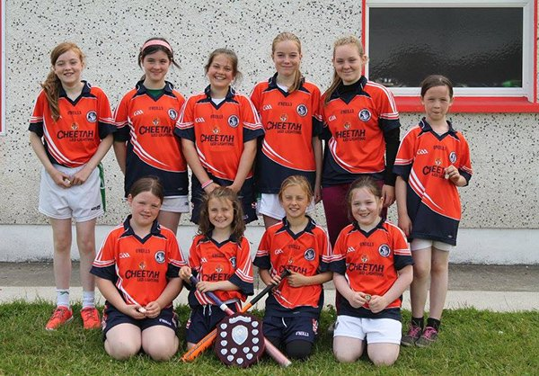 under 13 girls winners of Cuchulainn rounders annual compition